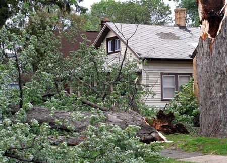 3596019-strong-wind-storm-damage-in-midwest-neighborhood